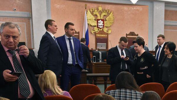 Strony posiedzenia w sprawie o delegalizacji Świadków Jehowy w Sądzie Najwyższym Federacji Rosyjskiej - Sputnik Polska