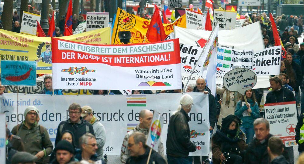 Protest przeciwko populistycznej partii Alternatywa dla Niemiec w Kolonii