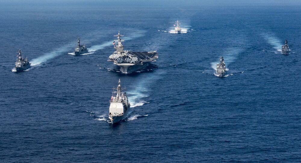 Grupa uderzeniowa USA z lotniskowcem Carl Vinson na czele