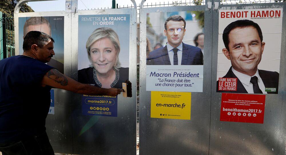 Plakaty wyborcze kandydatów na prezydenta Francji