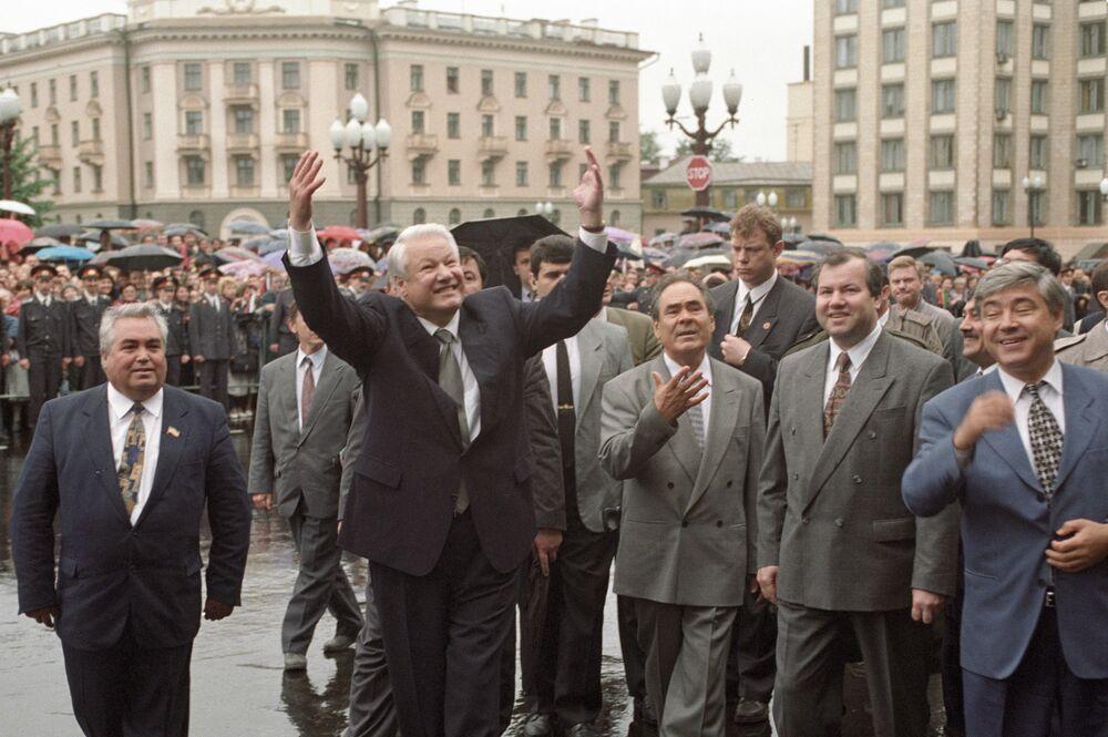 Prezydent Rosji Borys Jelcyn oraz prezydent Tatarstanu Mintimer Szajmijew w Kazaniu