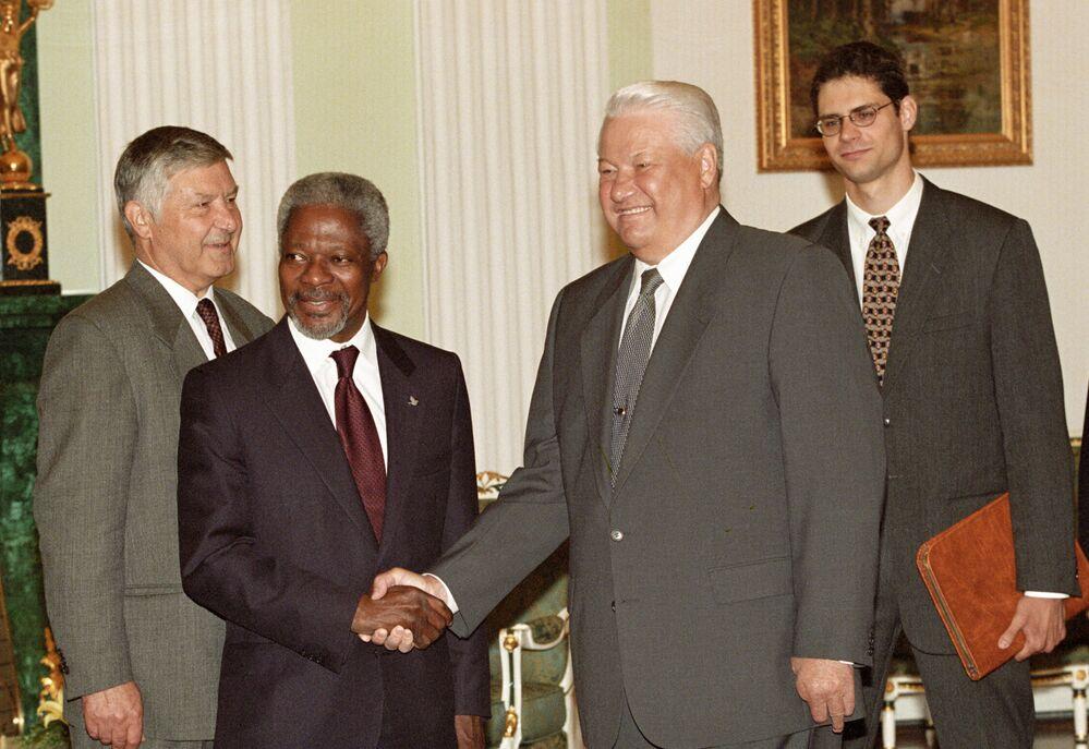 Prezydent Rosji gości na Kremlu Sekretarza Generalnego ONZ Kofi Annana