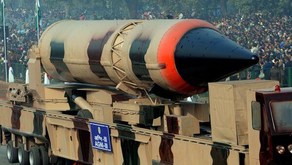 """Pocisk """"Agni-3"""" na paradzie wojskowej w Nowym Delhi - Sputnik Polska"""