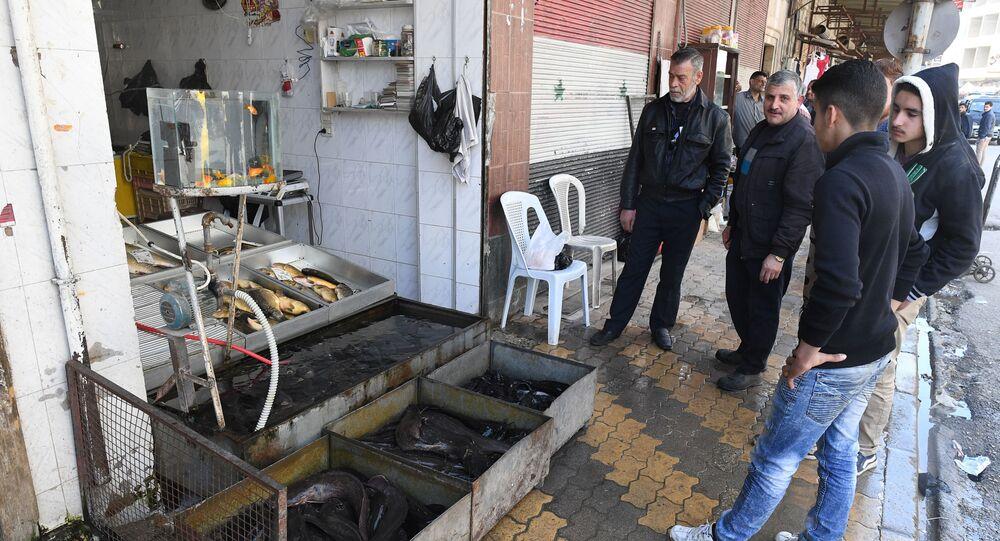 Sprzedaż ryb w syryjskim mieście Hama