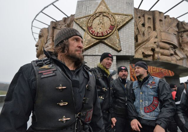 Szef klubu motocyklowego Nocne Wilki Aleksander Załdostanow w Mińsku