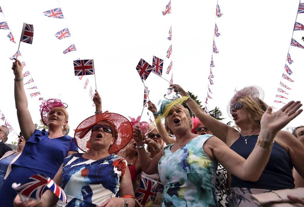 Uczęstniczki Royal Ascot w niezwykłych kapeluszach