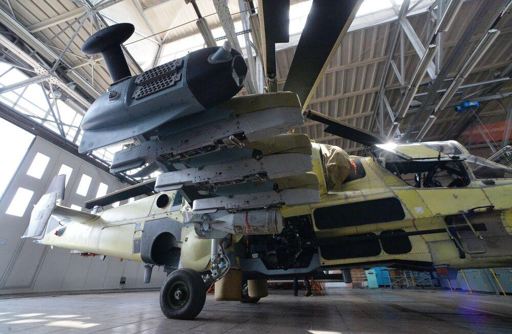 """Rosyjskie śmigłowce Ka-52 """"Aligator"""" są składane w montowniach Zakładu Lotniczego """"Progress"""", w miejscowości Arseniew, w Kraju Nadmorskim."""