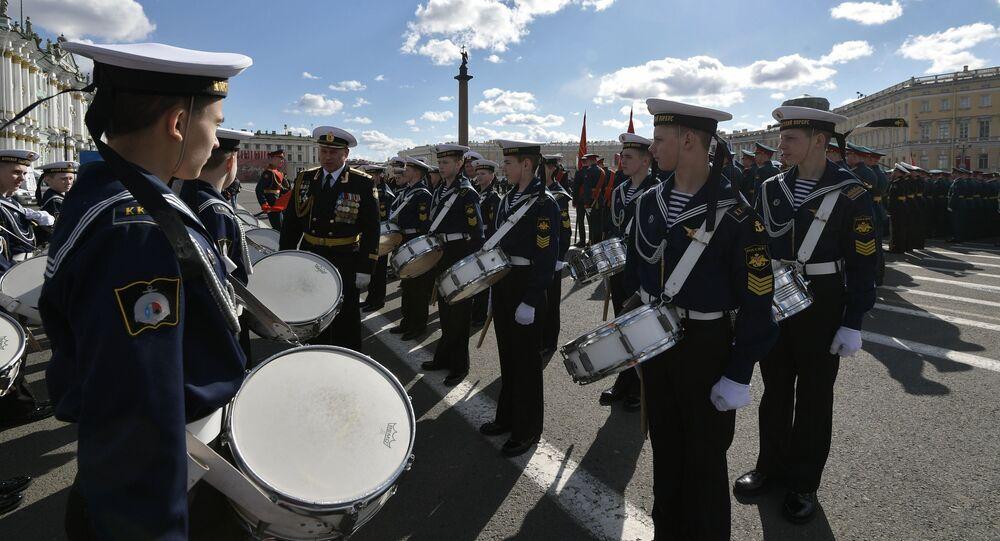 Defilada Wojskowa w Petersburgu z okazji 72 rocznicy zwycięstwa