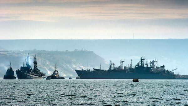 Okręty rosyjskiej Floty Czarnomorskiej u wybrzeży Krymu - Sputnik Polska