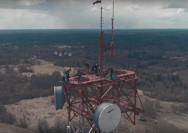 Pierwszy na świecie skok z drona