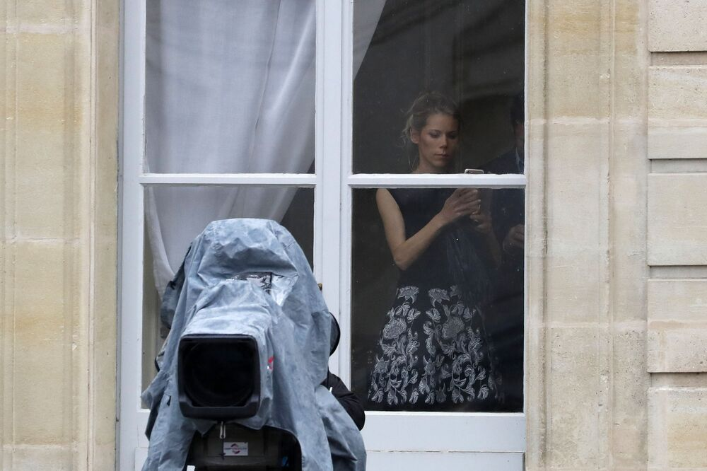 Pasierbica prezydenta elekta Francji Emmanuela Macrona Tiphaine Auziere w Pałacu Elizejskim.