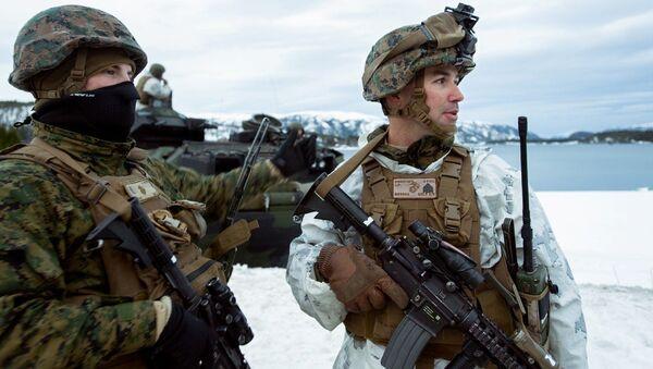Amerykańscy marines podczas ćwiczeń Cold Response 2016 w bazie wojskowej Vernes w Norwegii - Sputnik Polska