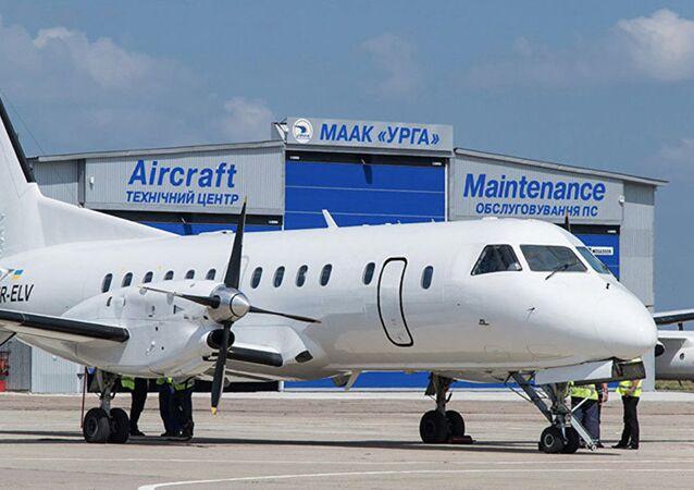 Samolot ukraińskiej linii lotniczej Urga