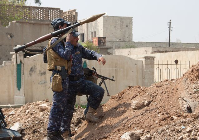 Iracki żołnierz w Mosulu