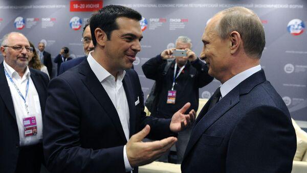 Premier Grecji Aleksis Tsipras i prezydent Rosji Władimir Putin na XIX Petersburskim Forum Gospodarczym - Sputnik Polska