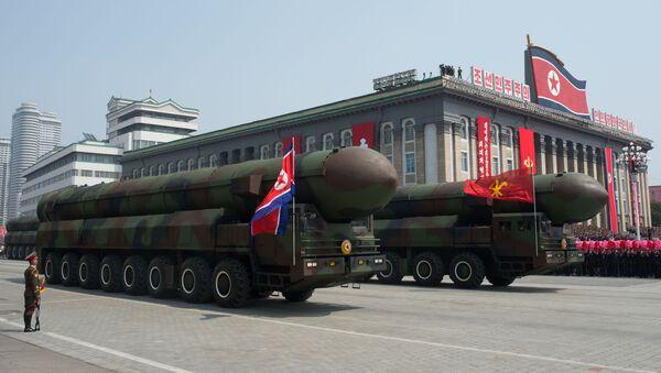Wyrzutnie międzykontynentalnych rakiet balistycznych Koreańskiej Armii Ludowej podczas parady z okazji 105. rocznicy urodzin Kim Ir Sena - Sputnik Polska
