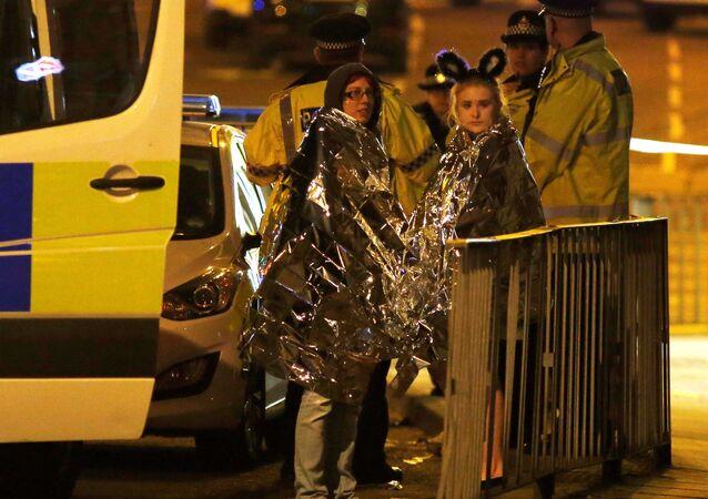 Widzowie po zamachu w hali Manchester Arena, Wielka Brytania