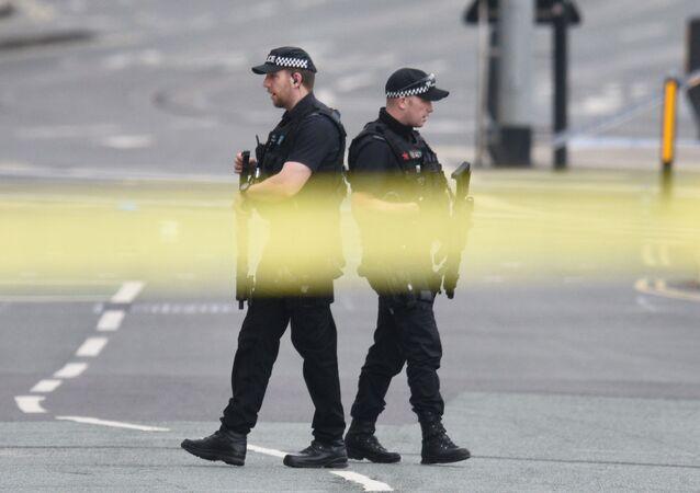 Policja patroluje okolice Manchester Areny, gdzie wczoraj doszło do wybuchu