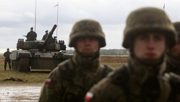 Polscy wojskowi na ćwiczeniach w pobliżu miasta Orzysz w Polsce - Sputnik Polska
