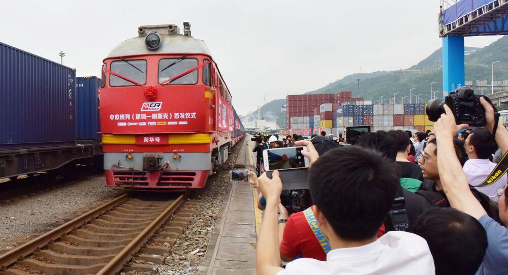 Pociąg z Chin na Białoruś na stacji w Shenzhen