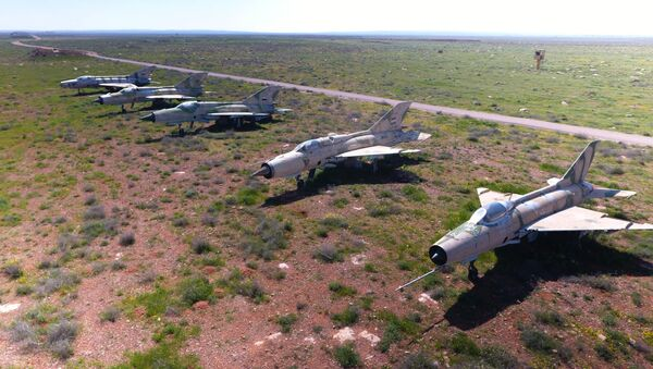 Syryjskie samoloty na terenie bazy lotniczej Szajrat w Syrii - Sputnik Polska