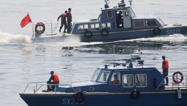 Chińskie kutry patrolowe na rzece Yalu, która oddziela Koreę Północną od Chin - Sputnik Polska