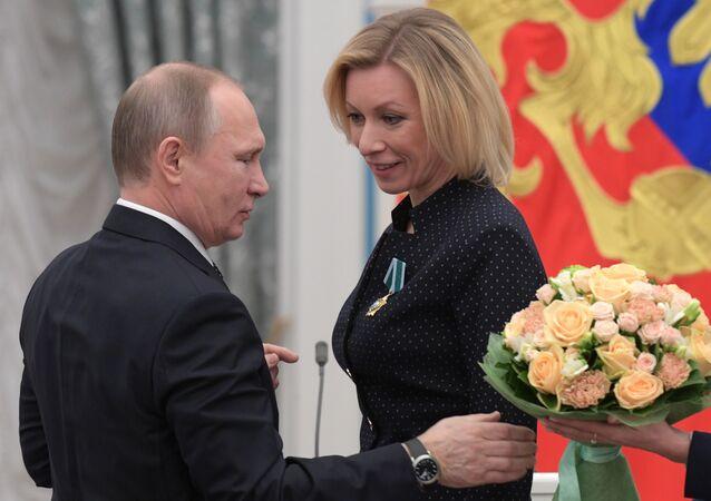 Władimir Putin i Maria Zacharowa