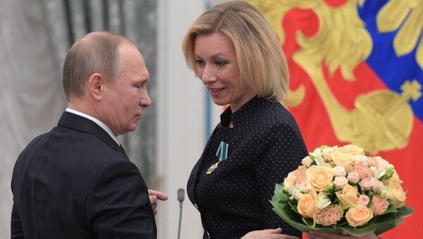 Władimir Putin i Maria Zacharowa - Sputnik Polska
