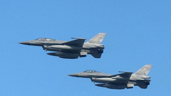 Myśliwce F-16 polskich sił zbrojnych - Sputnik Polska