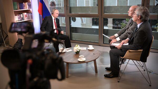 Prezydent Rosji Władimir Putin podczas wywiadu dla francuskiego wydania Le Figaro - Sputnik Polska