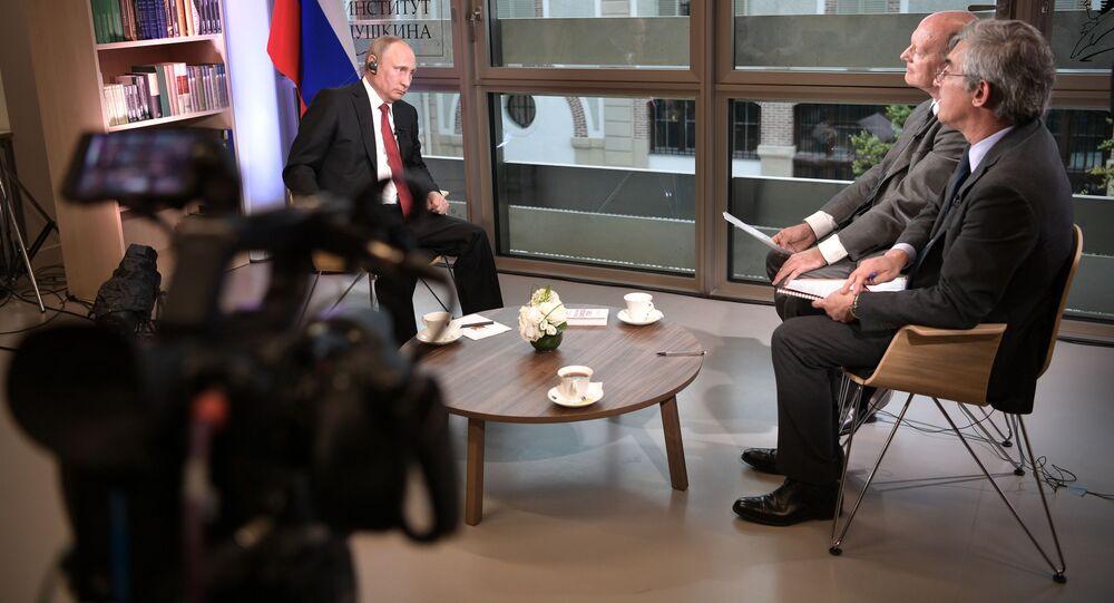 Prezydent Rosji Władimir Putin podczas wywiadu dla francuskiego wydania Le Figaro