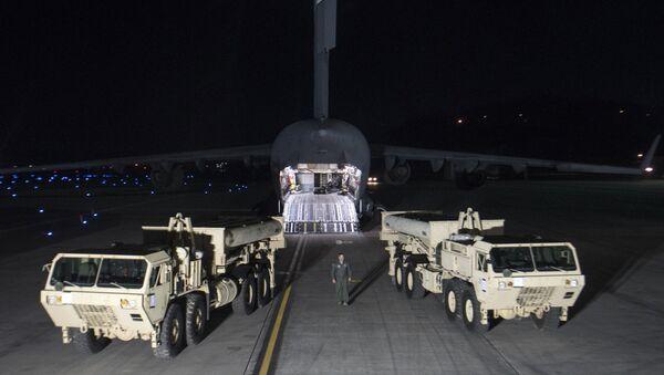 Rozładunek sprzętu do amerykańskich systemów obrony antybalistycznej THAAD w Korei Południowej - Sputnik Polska