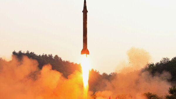 Test rakiety balistycznej w Korei Północnej - Sputnik Polska