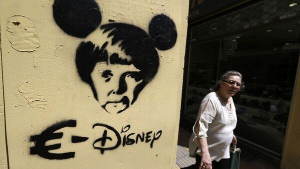 Graffiti przedstawiające kanclera Niemiec Angelę Merkel w Atenach - Sputnik Polska