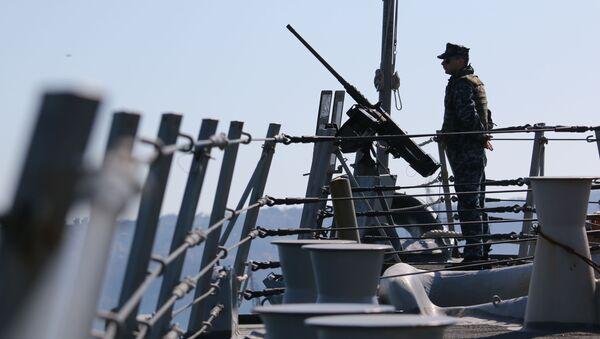 Amerykański marynarz podczas ćwiczeń - Sputnik Polska