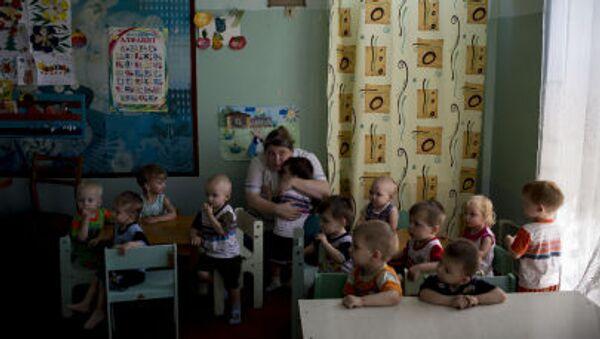Ewakuacja dzieci z domu dziecka w Ługańsku - Sputnik Polska