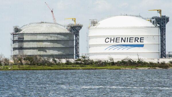 Zbiorniki gazu amerykańskiej spółki Cheniere Energy - Sputnik Polska