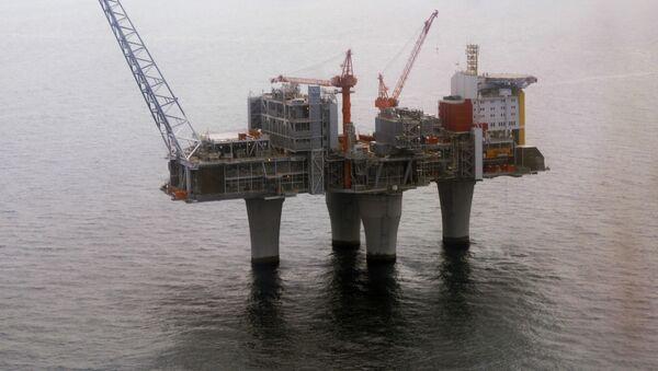 Norweska platforma wiertnicza Statoil na Morzy Północnym - Sputnik Polska