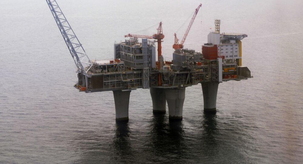 Norweska platforma wiertnicza Statoil na Morzy Północnym