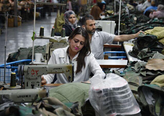 Państwowa fabryka tkacka w miejscowości Al-Malihah na przedmieściach Damaszku.