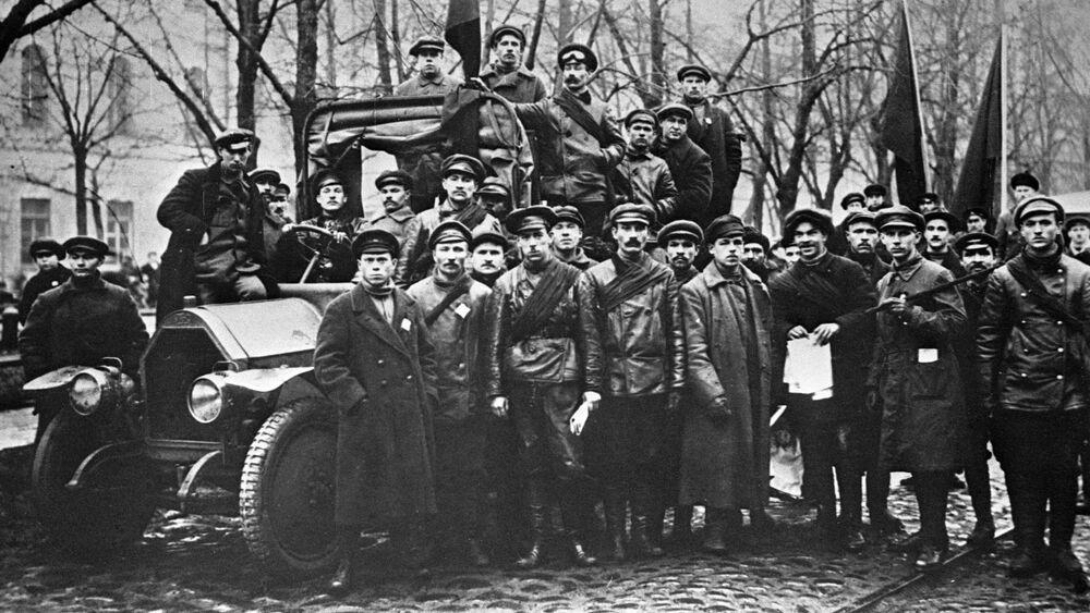 Jednym z rozpowszechnionych modeli ciężarowych tamtego okresu był Fiat-15, który potem został pierwszą radziecką ciężarówką АМО Ф15.