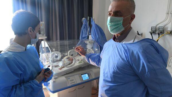 Z powodu sankcji w syryjskich szpitalach dotkliwie brakuje lekarstw - Sputnik Polska