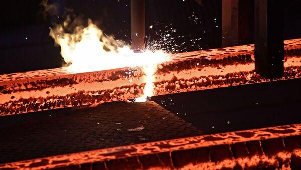 Praca w zakładzie metalurgicznym w Hamie - Sputnik Polska