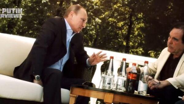 Kadr z dokumentu Olivera Stone'a Wywiad z Putinem - Sputnik Polska