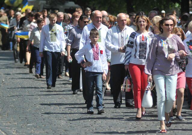 Marsz z okazji Dnia Bohaterów we Lwowie