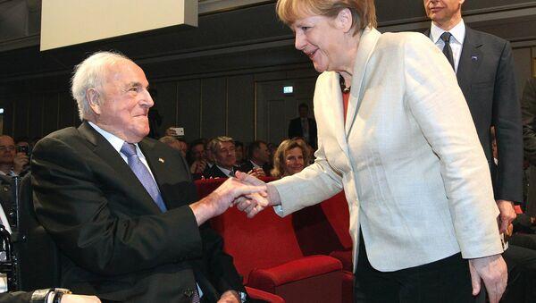 Helmut Kohl i Angela Merkel - Sputnik Polska