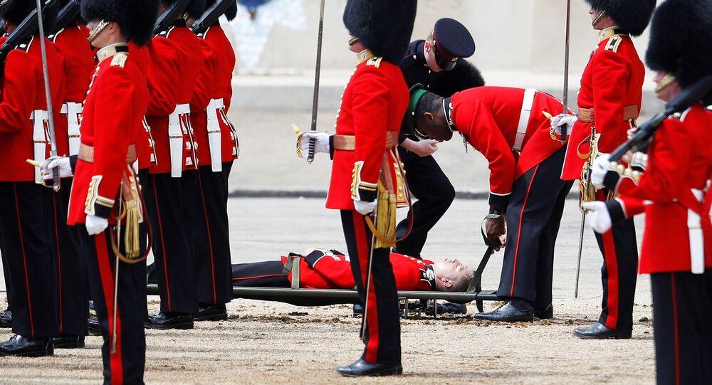 Gwardzista stracił przytomność w Londynie