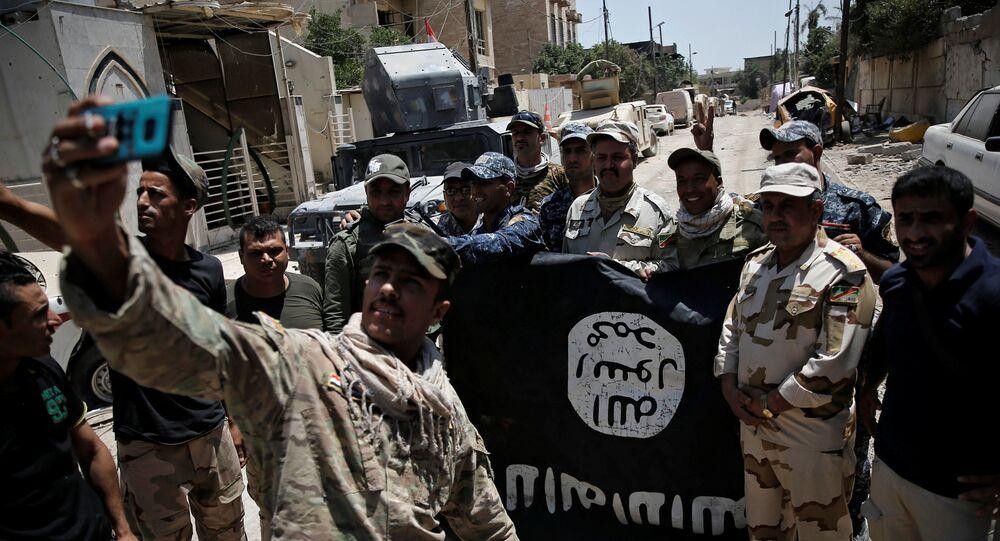 Iracka armia zaczęła w niedzielę szturmować kontrolowane przez dżihadystów z Państwa Islamskiego Stare Miasto w Mosulu na północy kraju