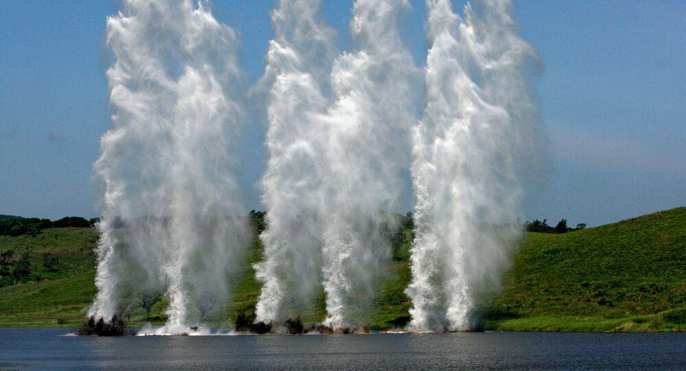 Wybuchy, imitujące ogień artyleryjski przeciwnika w rejonie przeprawy