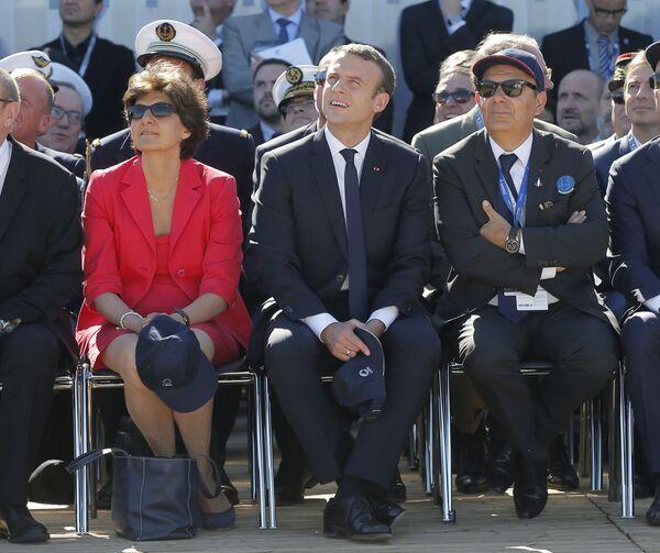 Emmanuel Macron na otwarciu wystawy - Sputnik Polska